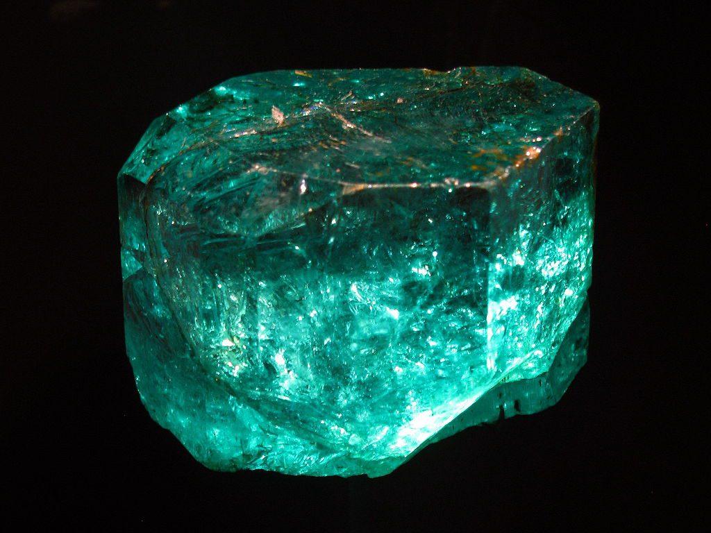 Gachala Colombian emerald 858 carats