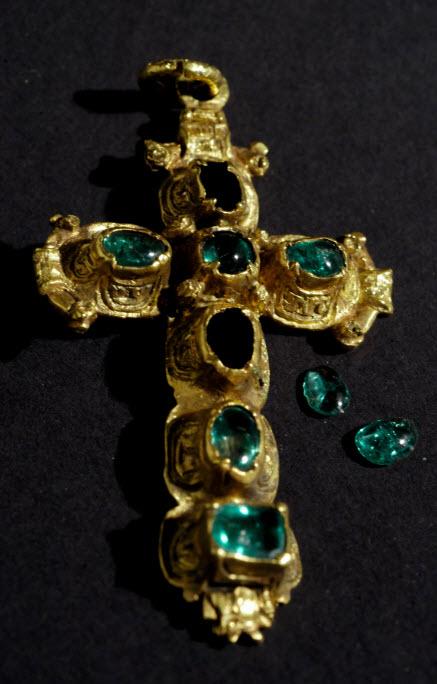Nuestra Senora de Atocha gold emerald cross
