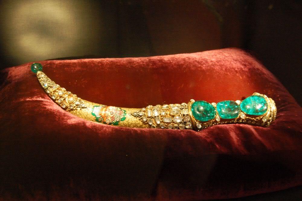 Topkapi Dagger emeralds