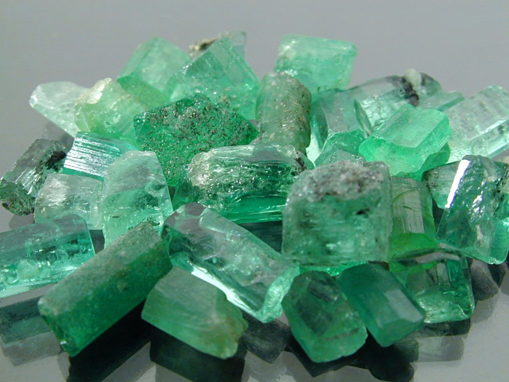 natural emerald crystals
