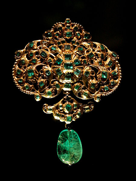 Spanish gold emerald brooch