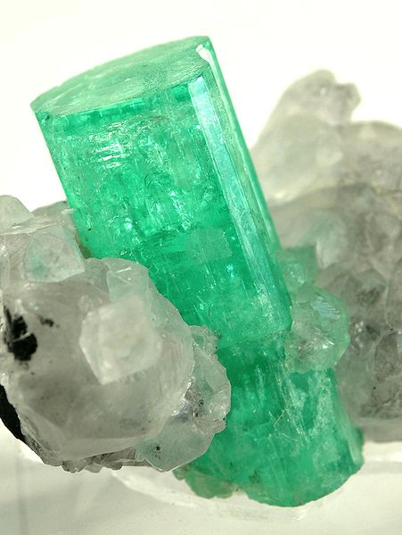 beryl calcite emerald rough