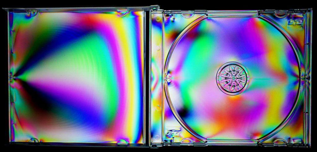 birefringence cd case