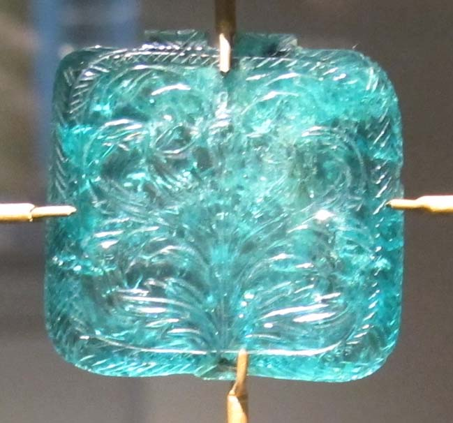 india moghul carved emerald